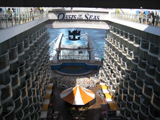 Oasis of the Seas Pictures - Boardwalk