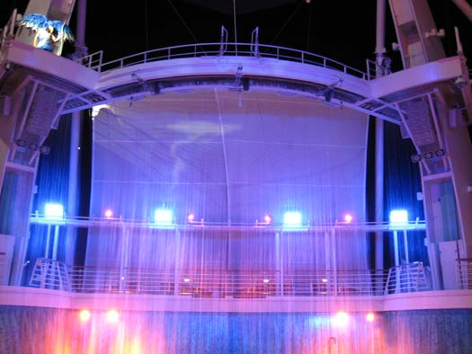 Oasis of the Seas Pictures - Aqua Theater