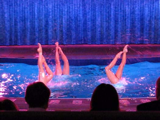 Oasis of the Seas Pictures - Oasis of Dreams Synchronized Swimmers