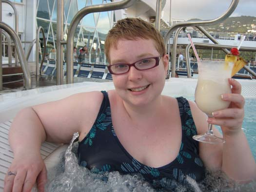 Oasis of the Seas Pictures - Hot tub with Pina Colada