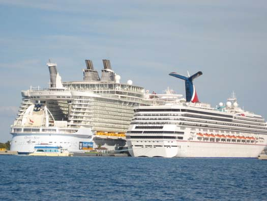 Oasis Of The Seas Next To Other Ships